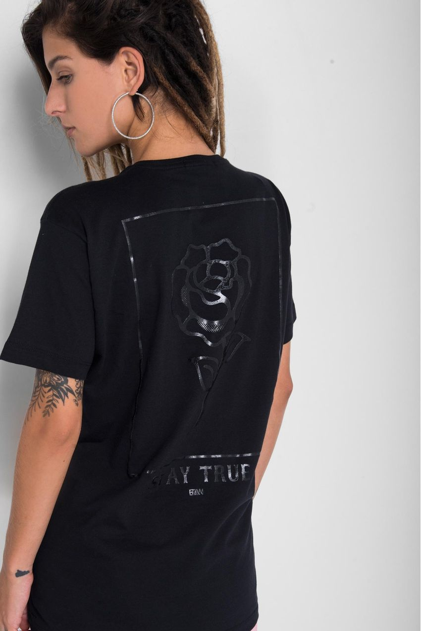 Camiseta-Stay-True-Black