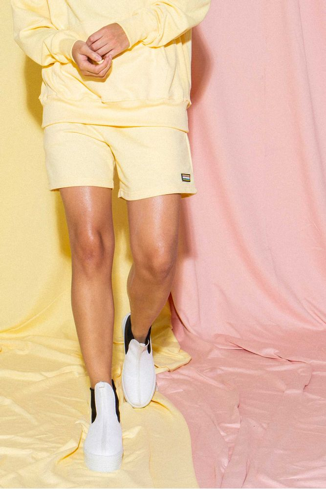 shorts-yellow